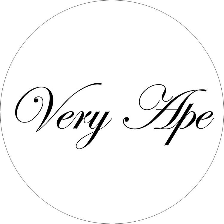 「Very Ape クラシカルロゴ」バッジ 32mm