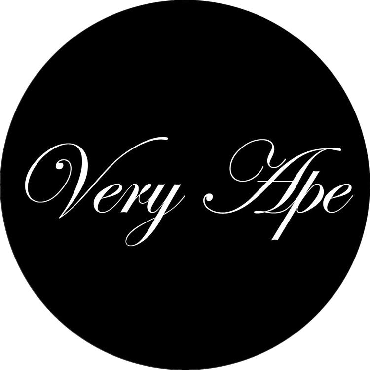 「Very Ape クラシカルロゴ」バッジ 32mmm